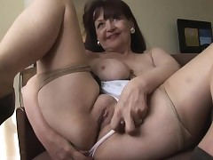 milf with tight pussy - sexy nude babe